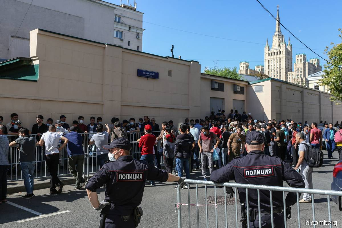 Virus leaves thousands of migrant workers stranded in Russia