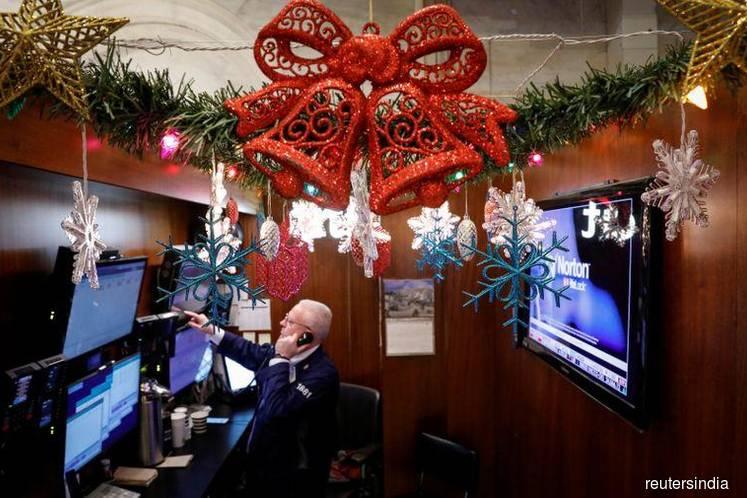 S&P 500, Nasdaq hit fresh record highs on trade deal hopes