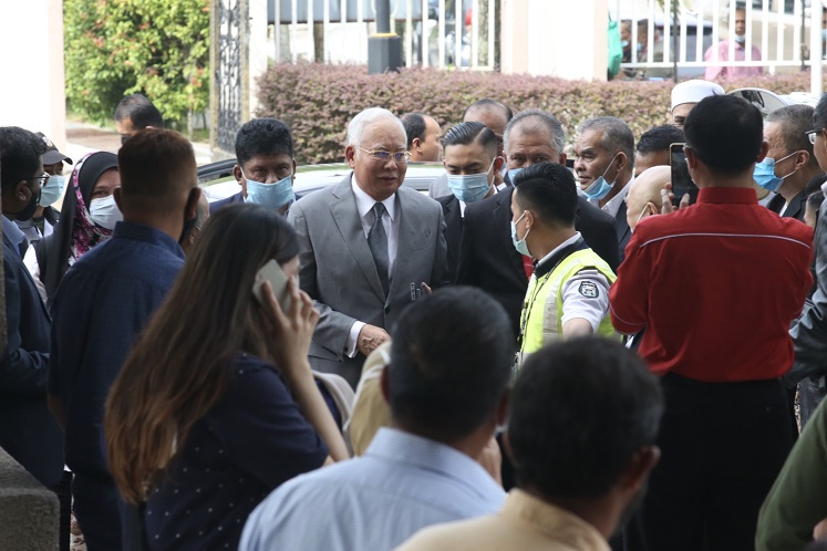 Prosecution seeks to amend 'typographical errors' in charge against Najib, Arul in 1MDB audit tampering trial