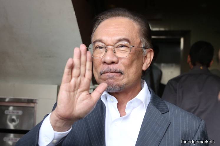 Dr Mahathir will not ally with previous ruling coalition — Anwar
