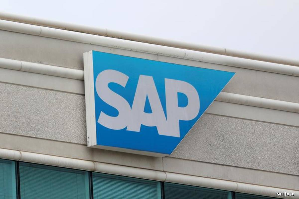 SAP's cloud business drives quarterly results, raises outlook