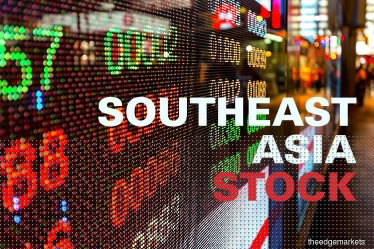 Most SE Asian stocks fall on tech war fears; Indonesia jumps