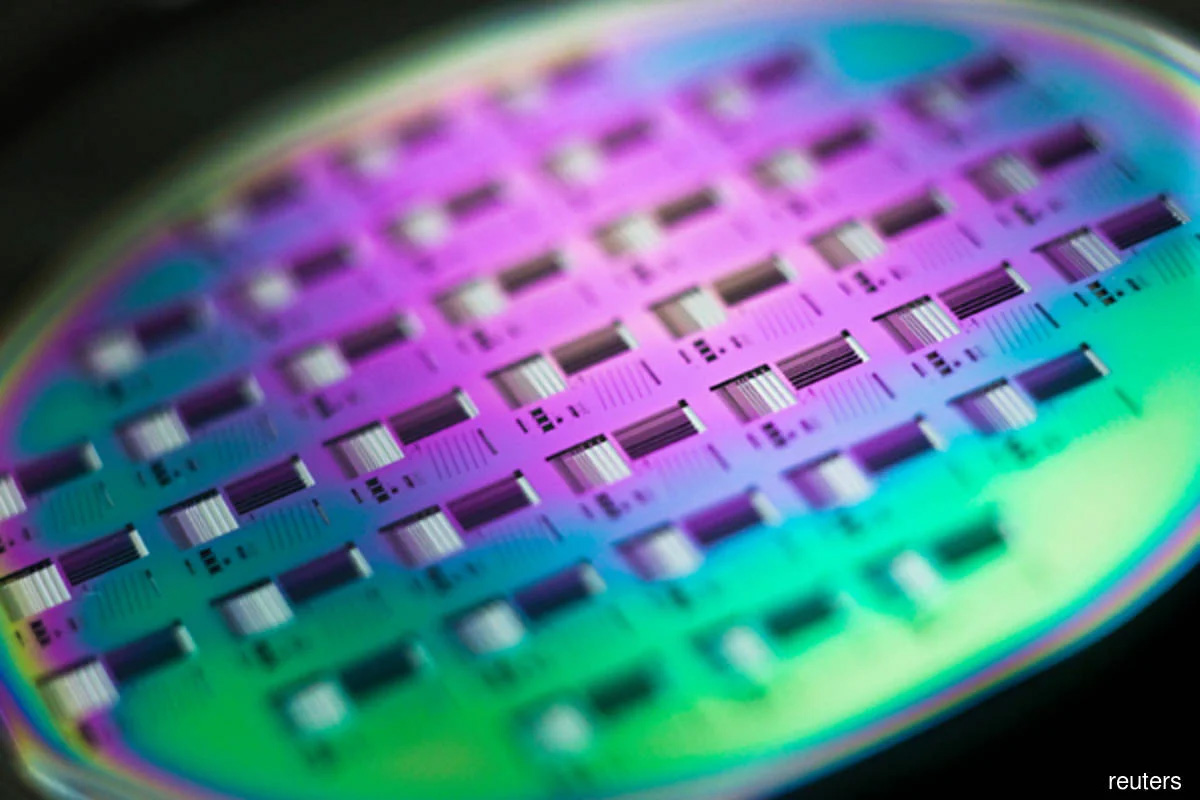 Global silicon wafer revenue stayed stable in 2020 as shipments edged up, says SEMI