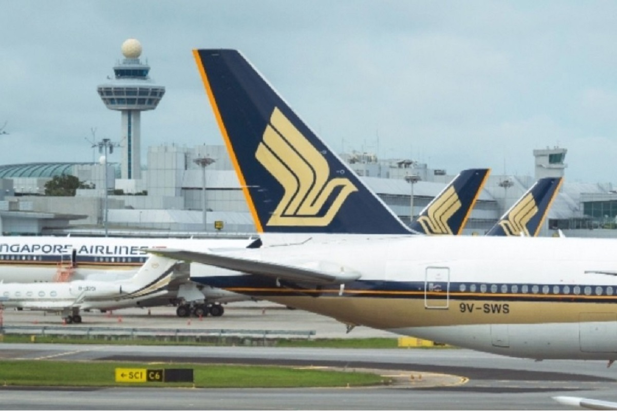Singapore Airlines's net loss narrows by 63.6% to S$409 million in 1QFY22