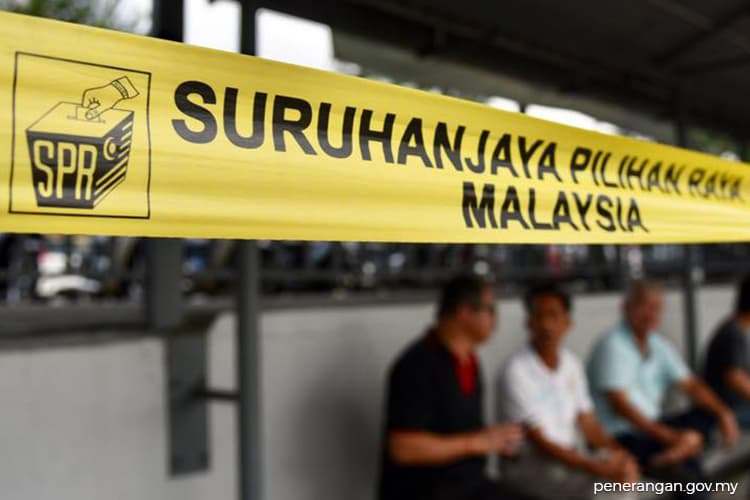Candidates check on early voting in Tanjung Piai