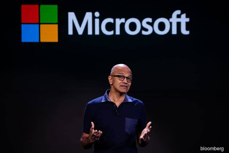 Microsoft Looks to Rewrite History on Its Phone Business