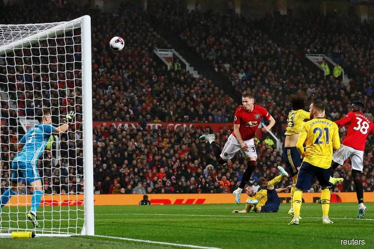 United held by Arsenal as both struggle to shine