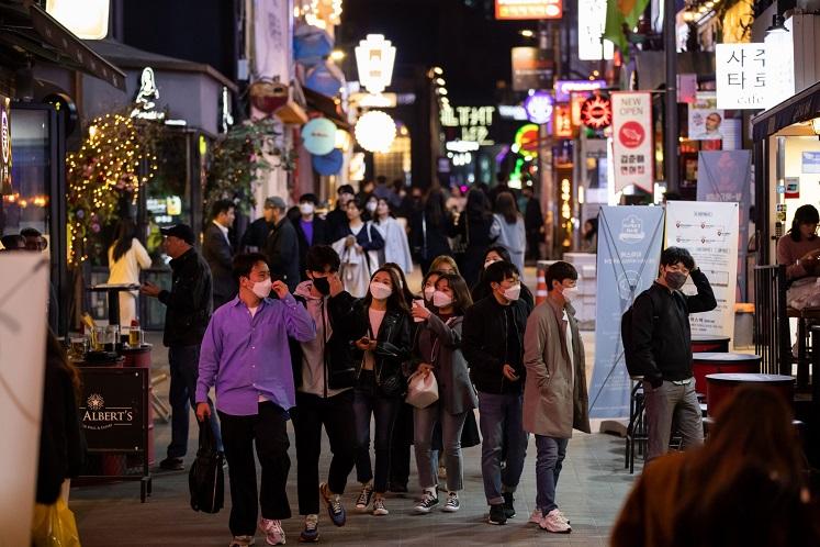 Seoul shuts down more than 2,100 nightclubs
