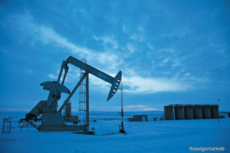 The dramatic rise and fall of shale oil