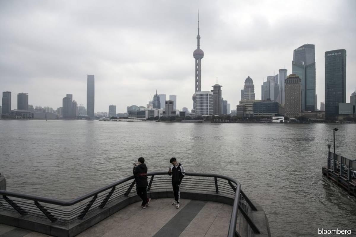 Shanghai to cancel most flights, shut schools due to typhoon