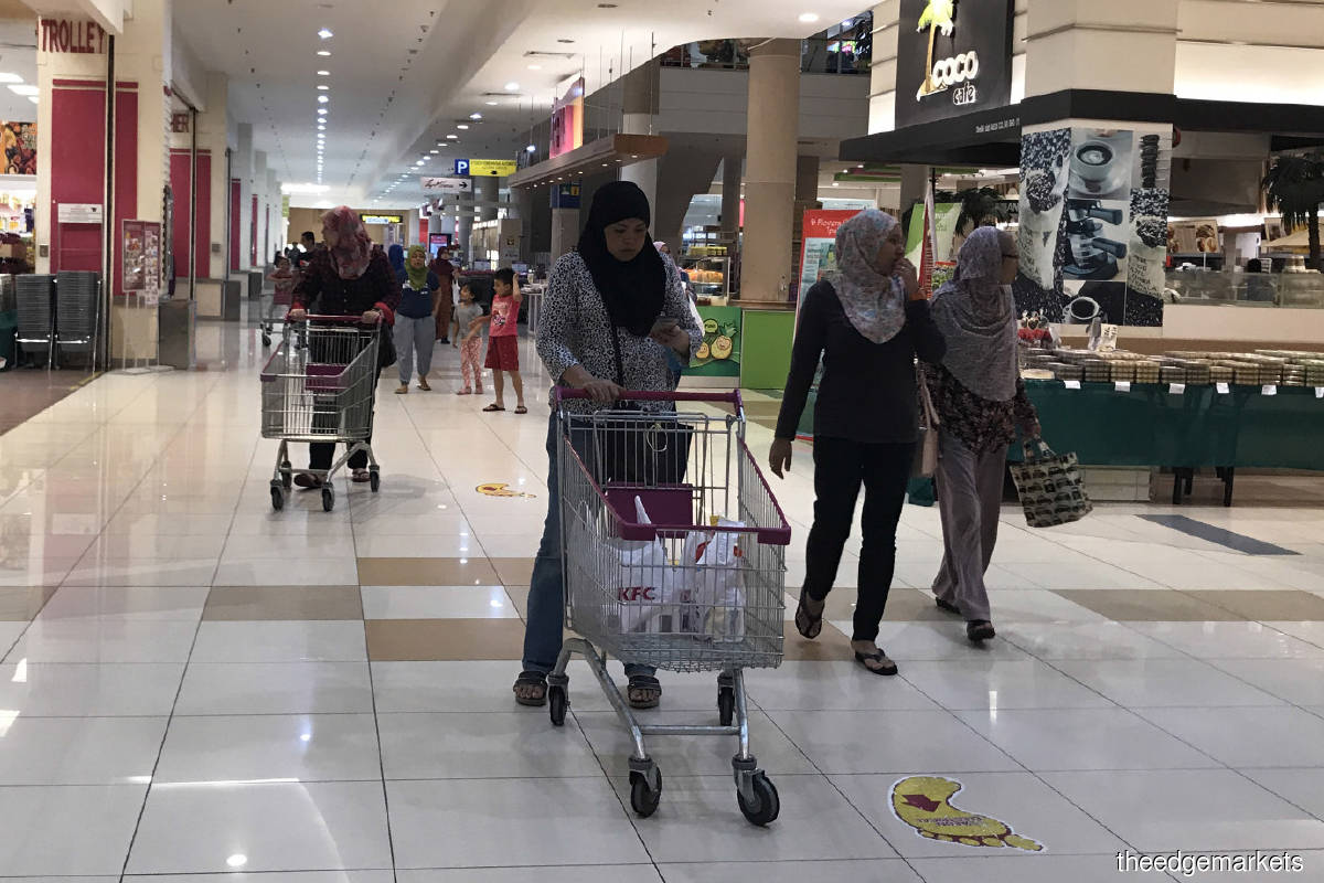 Movement restrictions weigh on private consumption