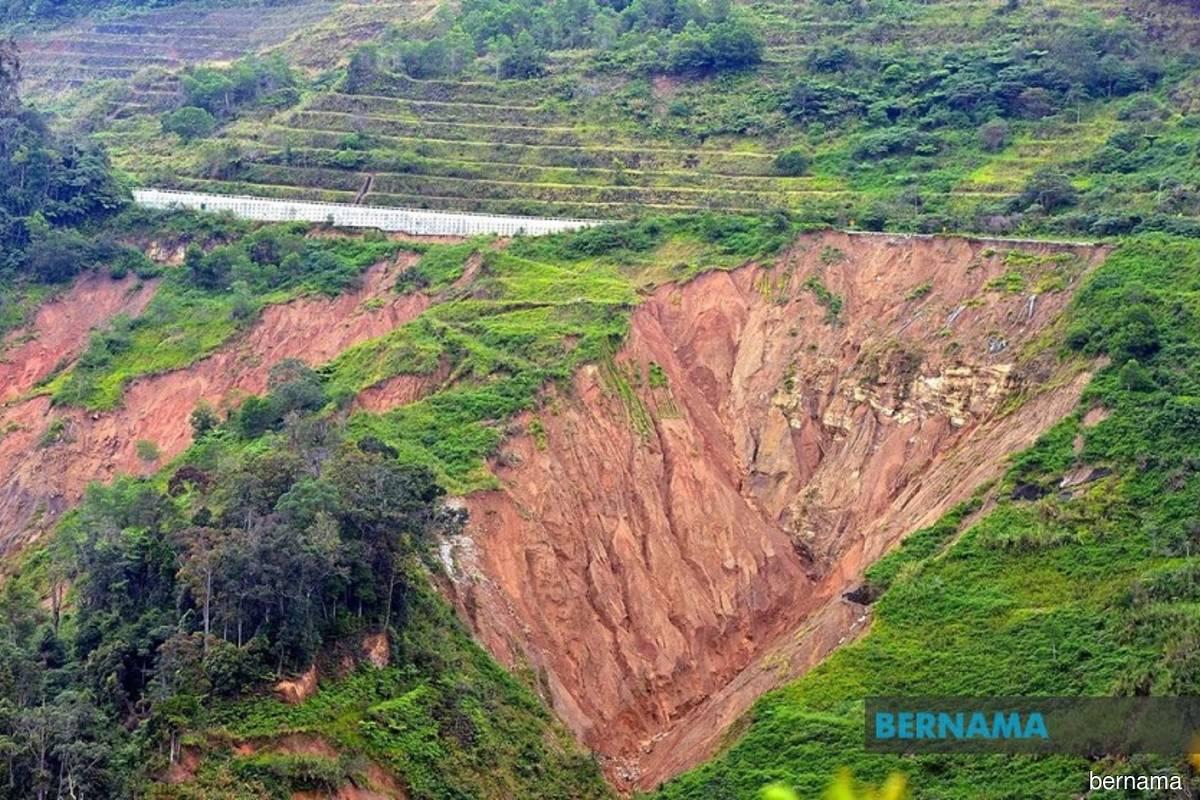 Simpang Pulai-Cameron Highlands road stretch closed due to landslide