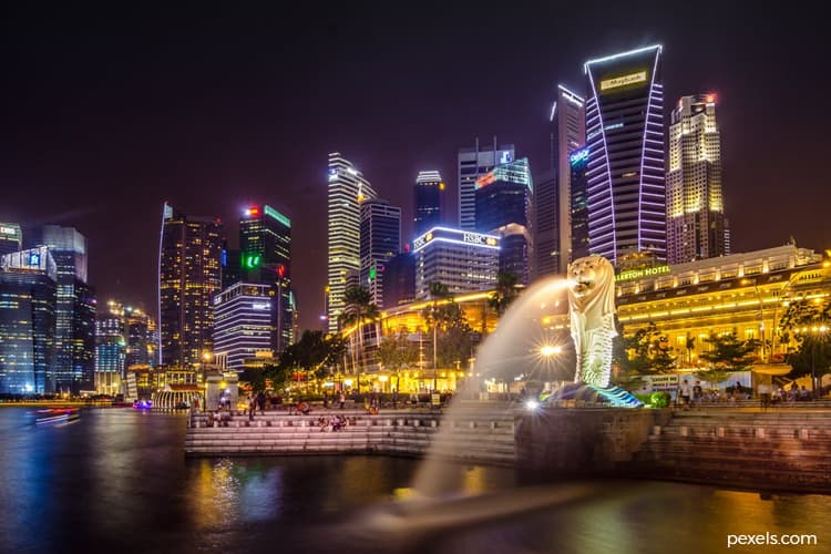Singapore to Focus on Regional Deals as Trade War Thwarts Growth