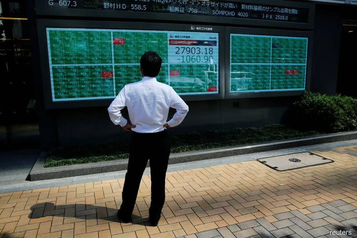 Asian shares creep higher, oil surges to 3-year peak