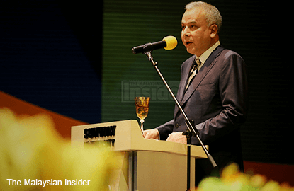 Sultan Nazrin reminds public institutions to remain independent