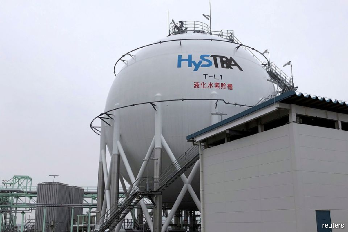 Hydrogen fuel cells, invented in the 1800s and used in U.S. and Russian space programmes, can replace noisy, polluting diesel generators that sometimes run 24 hours a day, their proponents say.
