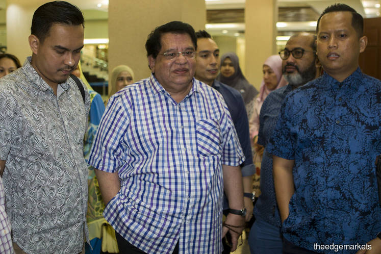 Tengku Adnan at the court today