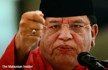 7 Umno leaders facing suspension, says Tengku Adnan