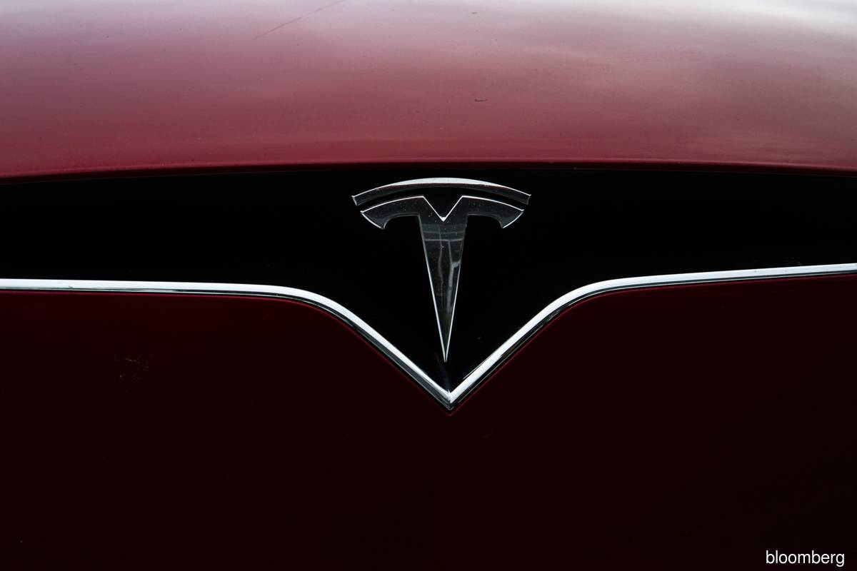 Tesla extends record win streak after Evercore capitulated