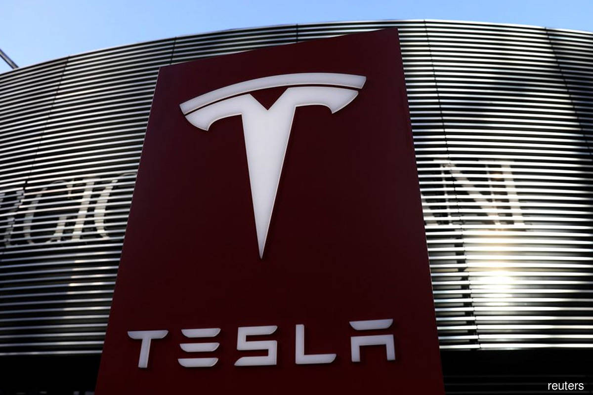 Two dead in Tesla crash believed to be driverless in Texas