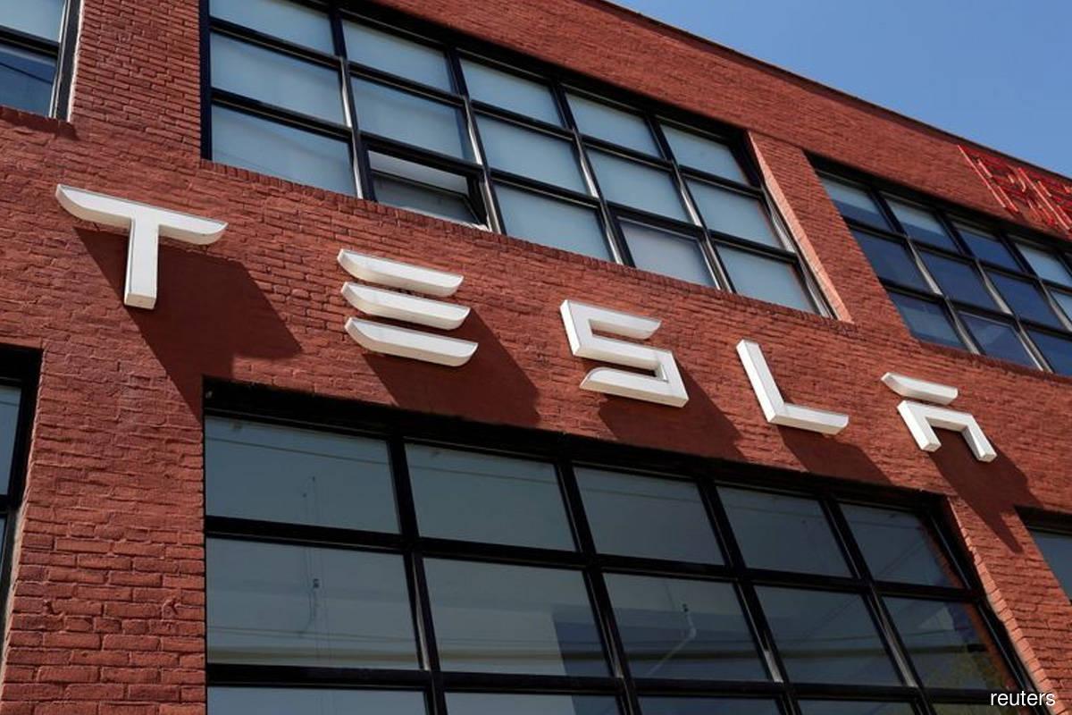 Tesla beats 3Q revenue estimates but supply-chain problems impacting factories
