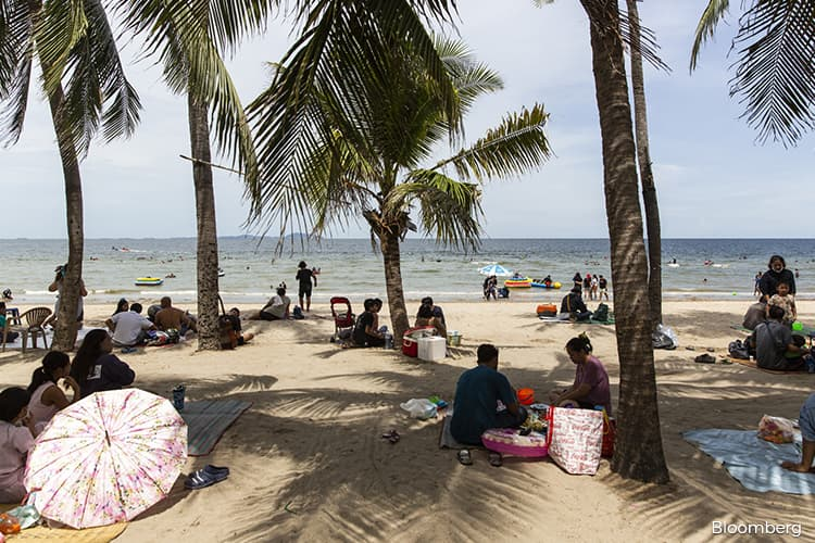 Thailand approves US$720 mil plan to boost domestic tourism