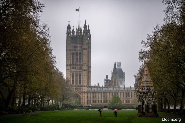 Lords vote to block suspension of Parliament
