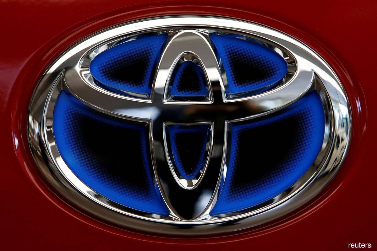 Toyota buys U.S. mapping, road data firm to bulk up driverless tech
