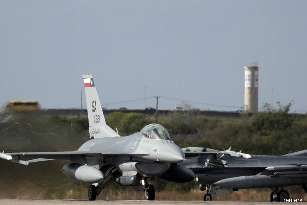 A US Air Force F-16 jet fighter takes off from an airbase during CRUZEX, a multinational air exercise hosted by the Brazilian Air Force, in Natal, Brazil on Nov 21, 2018. (Photo by Paulo Whitaker/Reuters filepix)