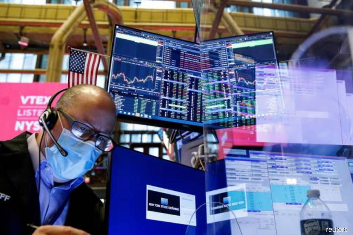 S&P 500, Dow gain on factory data, strong oil prices