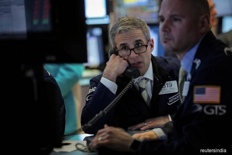 Stocks losses mount hours ahead of tariff deadline