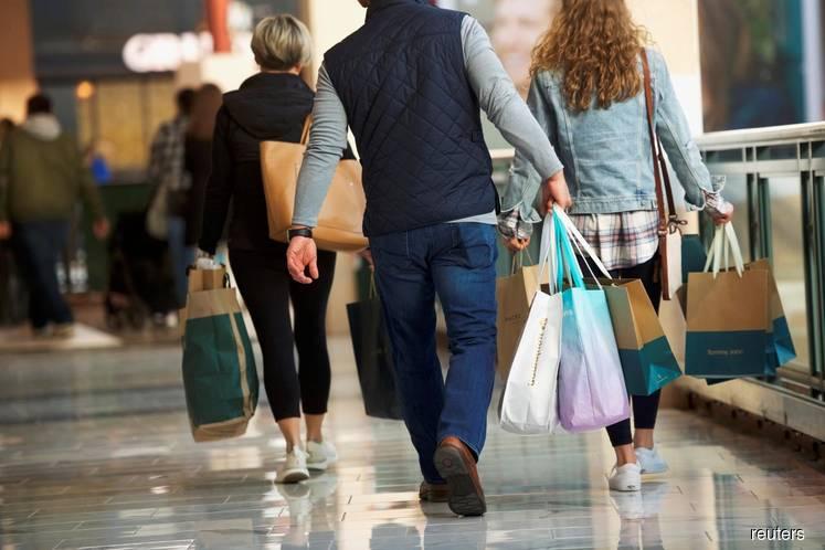 U.S. consumer sentiment near 3-1/2-year low, spending tepid
