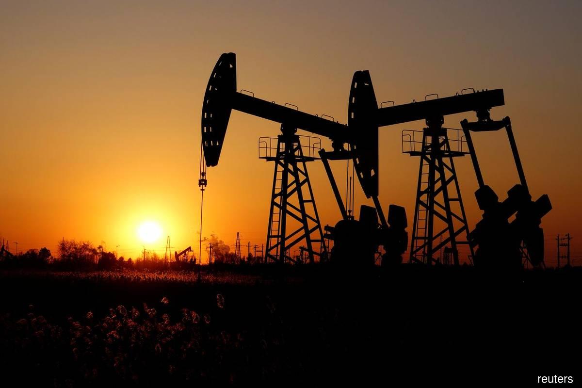 US crude stockpiles drop, fuel inventories rise, says EIA