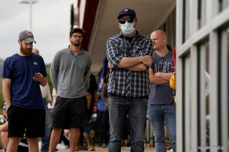 U.S. labour market shatters post World War 2 records as coronavirus lockdowns bite
