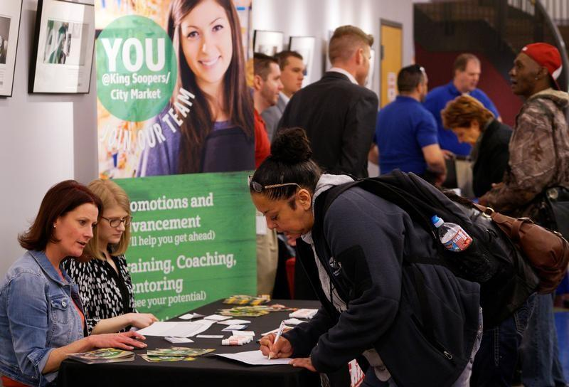 US jobless claims resume drop in sign of gradual improvement