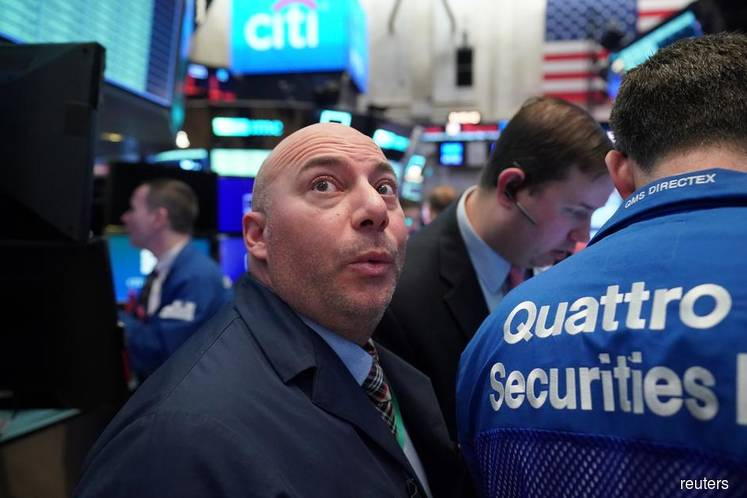 Wall St bounces on hopes of US$2 tril stimulus, Boeing boost