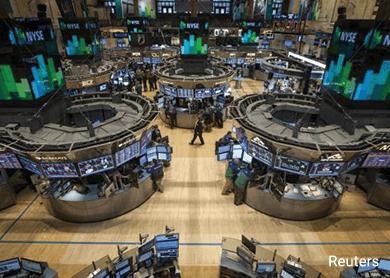 Wall Street drops, posts worst week since August
