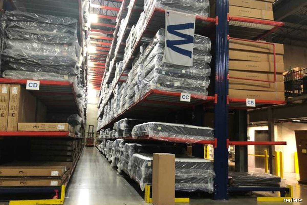US wholesale stocks rise; inventories-to-sales ratio lowest in six years