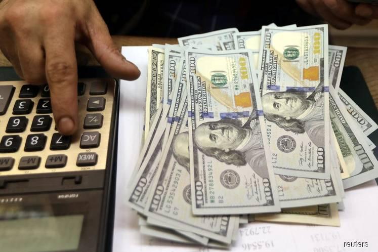 Dollar rises as ebbing economic concerns boost bond yields