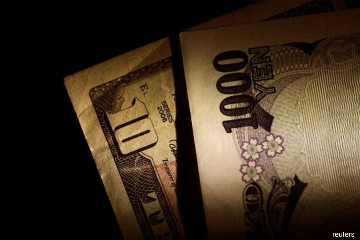 US dollar, yen jump after Trump tests positive for Covid-19
