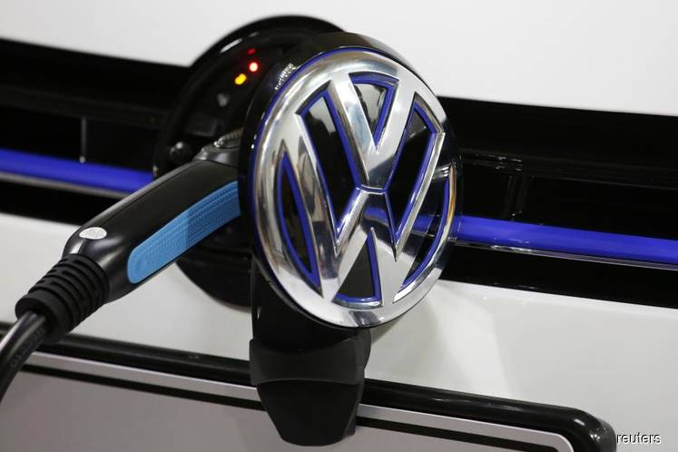 Volkswagen to invest 44 billion euros in e-cars by 2023