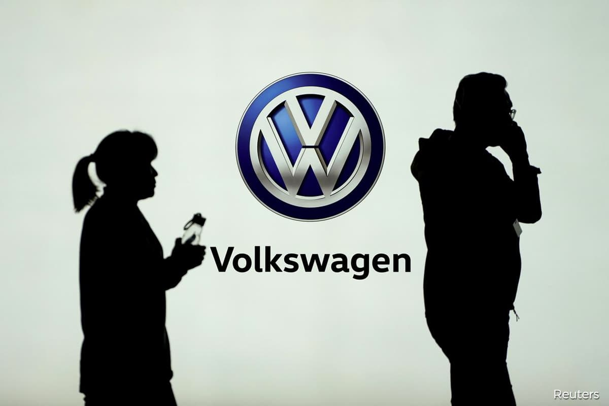 VW cuts dividend after US$940 million loss