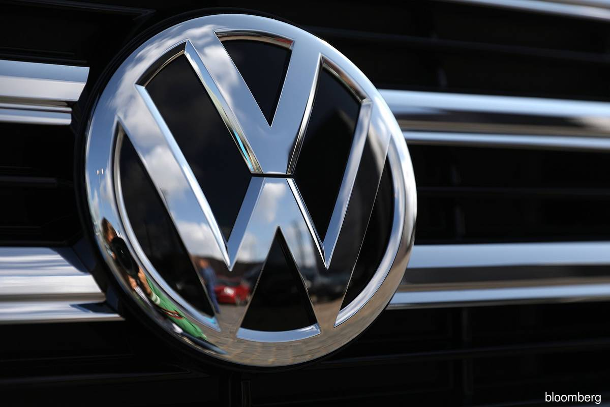 VW sees Amazon-built 'industrial cloud' as future B2B marketplace