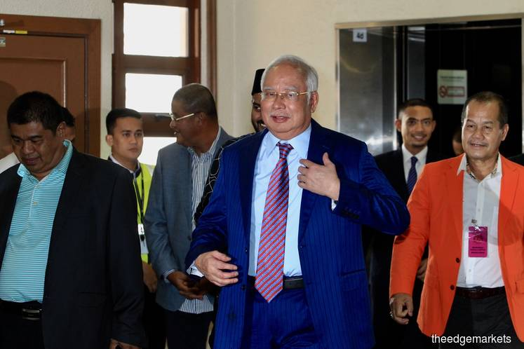 Najib's defence wins two rulings over AmBank documents, draft witness statement in SRC trial