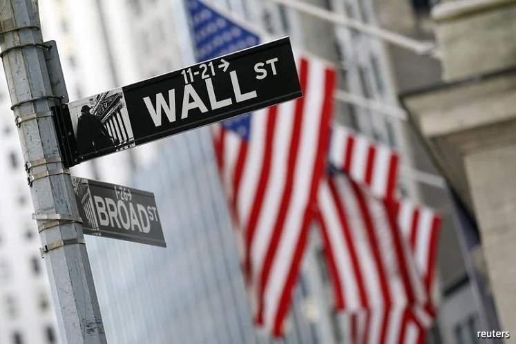 Wall St dips on US-China tensions, economic woes