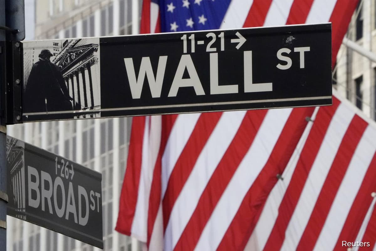 Wall Street closes lower as inflation fears prompt tech sell-off