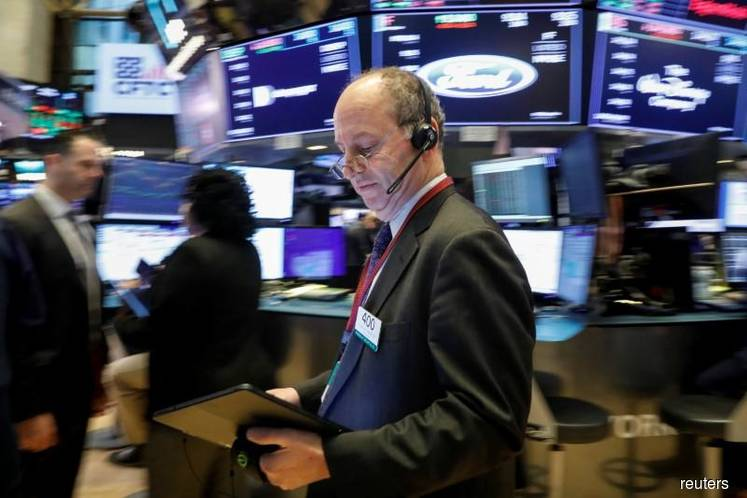 Wall Street nears record high on trade, earnings optimism