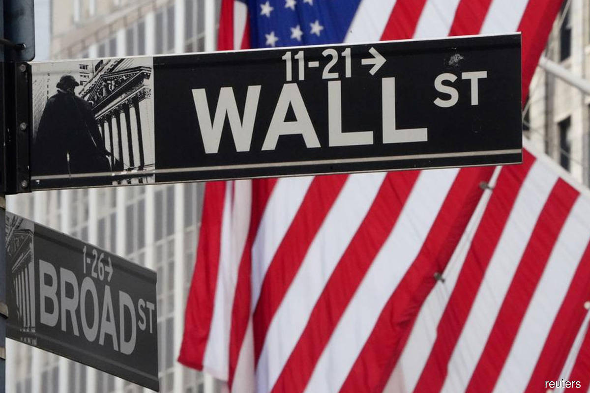 S&P 500 hits record high at open for sixth straight session