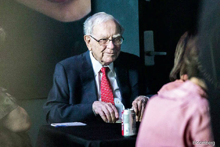 Buffett charity lunch auction opens
