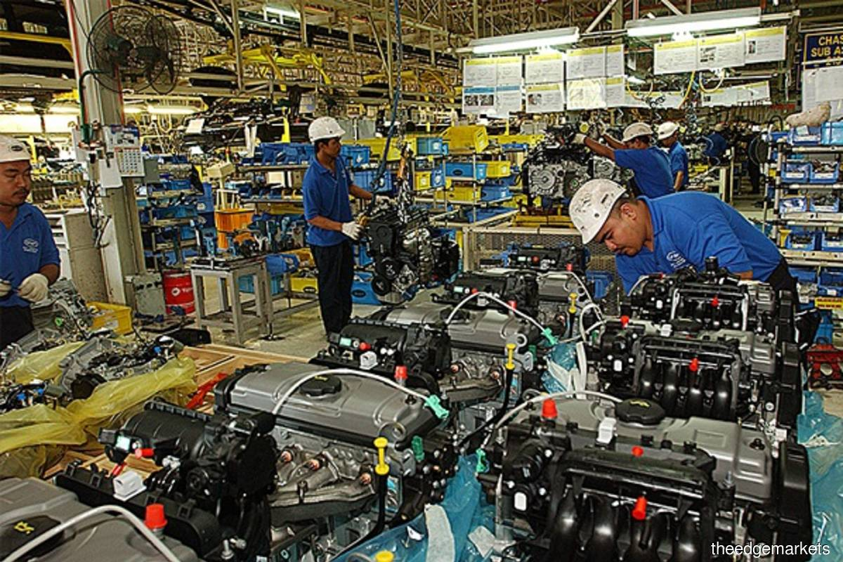 Malaysia's labour productivity contracts 5.4% in 2020 due to Covid-19 — MPC